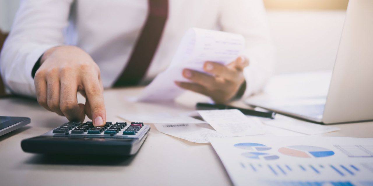 É tempo de renegociar dívidas e planejar?